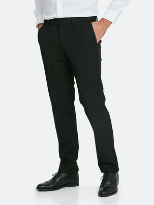 aa267cc757fb63 Schwarze Hose mit Stretch in Regular Fit. Front. Model.